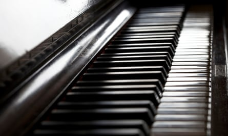 A stock picture of a piano