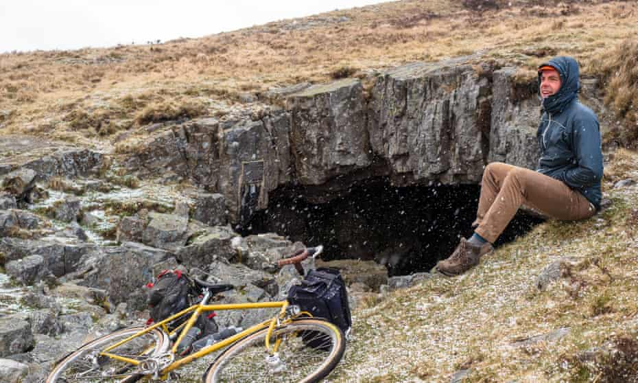 Snow at the Chartist Cave, Mynydd Llangynidr