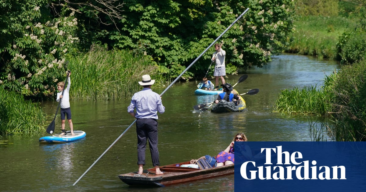 Cambridge college bans swimming at literary skinny-dipping spot