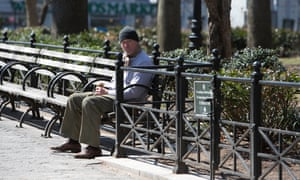 Gere sat on street corners begging for up to 45 minutes at a time without being recognised, he says.