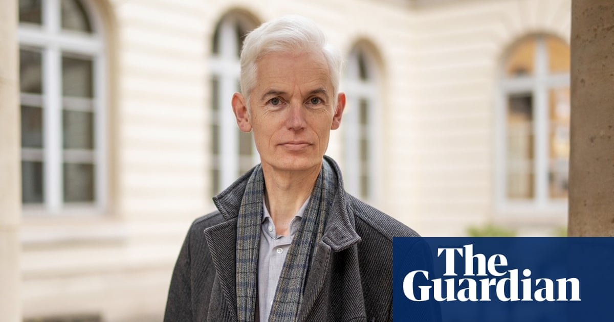 Academic who helped change No 10 Covid policy in first wave warns of easing risk