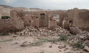 The ruins of the old Larak village, on Larak island.