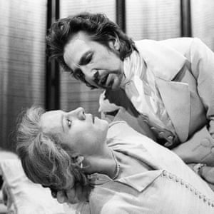 Alan Rickman and Juliet Stevenson in Les Liaisons Dangereuses, directed by Howard Davies and performed by the Royal Shakespeare Company in 1985.