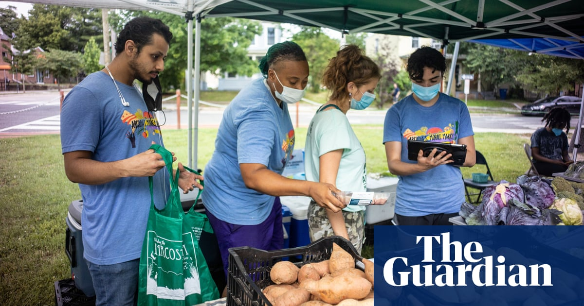 The farmers' market on wheels tackling one of America's worst food deserts