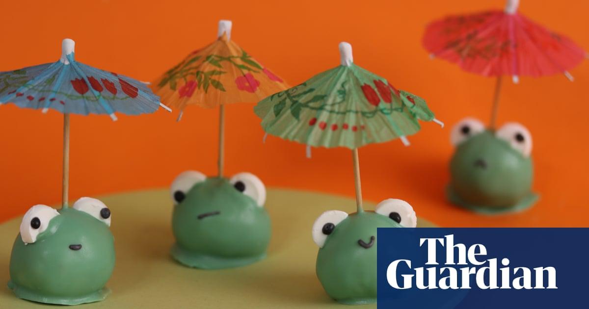 Kim-Joy's recipe for lemon and matcha cake pop frogs