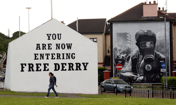 'Troubles tourism': should Derry be celebrating its political murals? | Cities | The Guardian