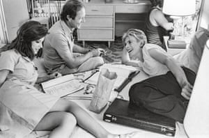 Candy Clark, director Nicolas Roeg and David Bowie.