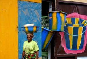 Buckets mural