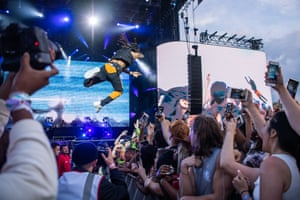 Swae Lee stage dives during his live set at Wireless Festival