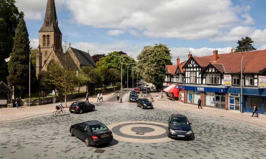 Ben Hamilton-Baillie's most celebrated work was in the town of Poynton, Cheshire. Traffic lights were removed and a 'double roundel' introduced, which meant cars had to negotiate with pedestrians and cyclists