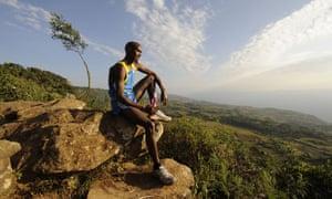 Mo Farah en un campo de entrenamiento en Kenia en 2010