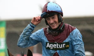 Sam Twiston-Davies reacted within seconds of hitting the turf to avoid potential injuries at Exeter on Tuesday.