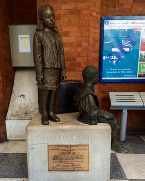 Für das Kind, the statue at Liverpool Street station, London, that commemorates the Kindertransport.