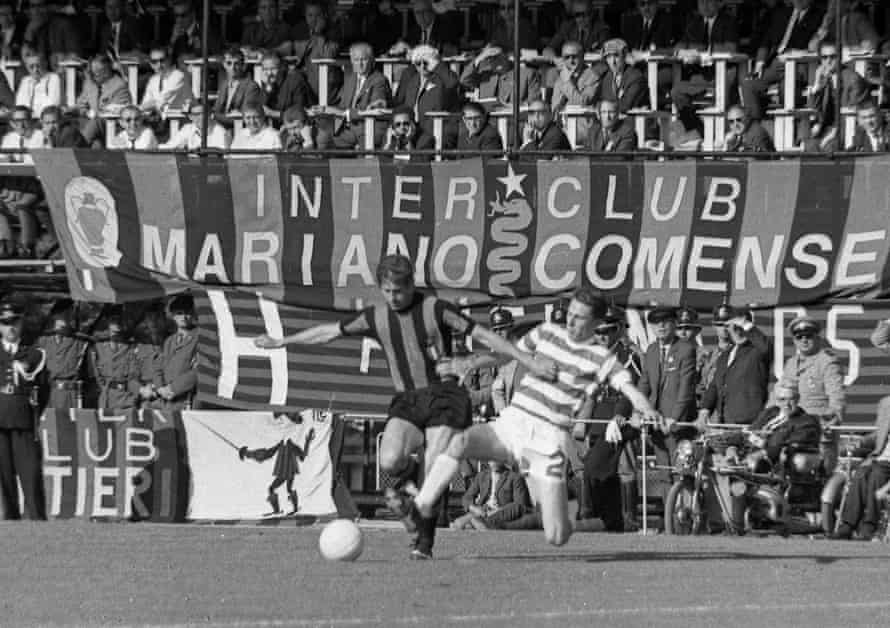 Inter's Renato Cappellini and Celtic's Jimmy Craig fight for the ball.