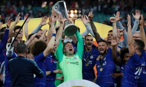 UEL Final 2019 - Chelsea FC vs Arsenal FC<br>epa07611355 Chelsea's Rob Green lifts the trophy after winning the UEFA Europa League final between Chelsea FC and Arsenal FC at the Olympic Stadium in Baku, Azerbaijan, 30 May 2019.  EPA/YURI KOCHETKOV