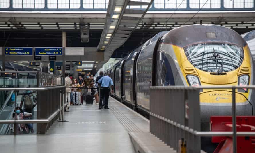 Eurostar passengers arriving at St Pancras