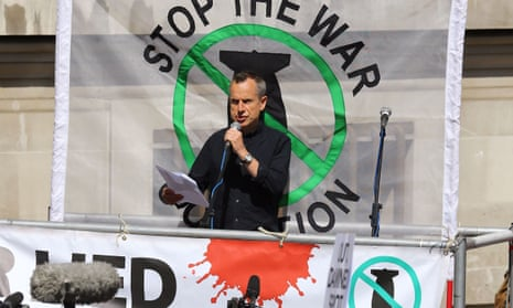 Jeremy Hardy speaking at a Stop the War Coalition event after the publication of the Chilcot report in 2016.