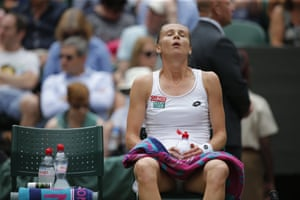 Magdalena Rybarikova is finding this afternoon tough going.
