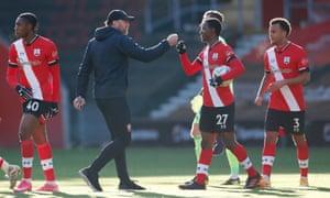 Southampton manager Ralph Hasenhuttl congratulates his players.