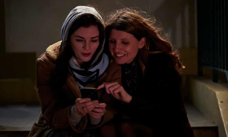 Aine (Aisling Bea) and Shona (Sharon Horgan) in This Way Up.