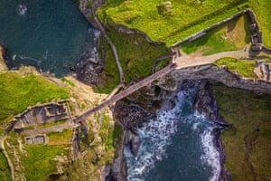 Cornwall, UK: A new footbridge at Tintagel Castle