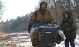Kodi Smit-McPhee and Viggo Mortensen in The Road.
