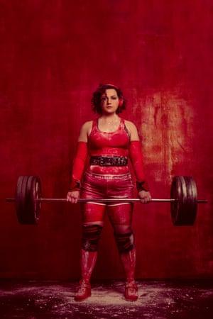 The full shot … Fostekew in gym gear.