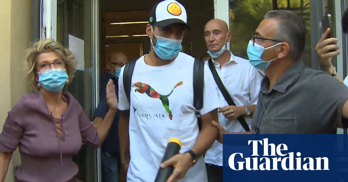 Italian police investigate claims Luis Suárezs citizenship exam was rigged