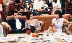 Matt Le Blanc as Joey Tribbiani, Courteney Cox as Monica Geller and Lauren Tom as Julie in an episode of Friends