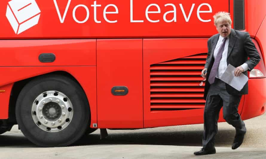 Boris Johnson with the Vote Leave battle bus.