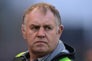 Dean Richards's Newcastle are up to fourth and go to fifth-placed Leicester next week for a crucial game in the play-off race.