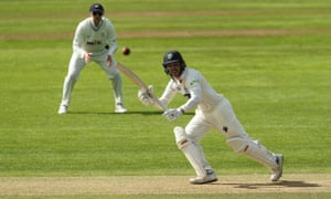 Kiran Carlson hit an unbeaten 88 to help Glamorgan to a draw with Yorkshire.