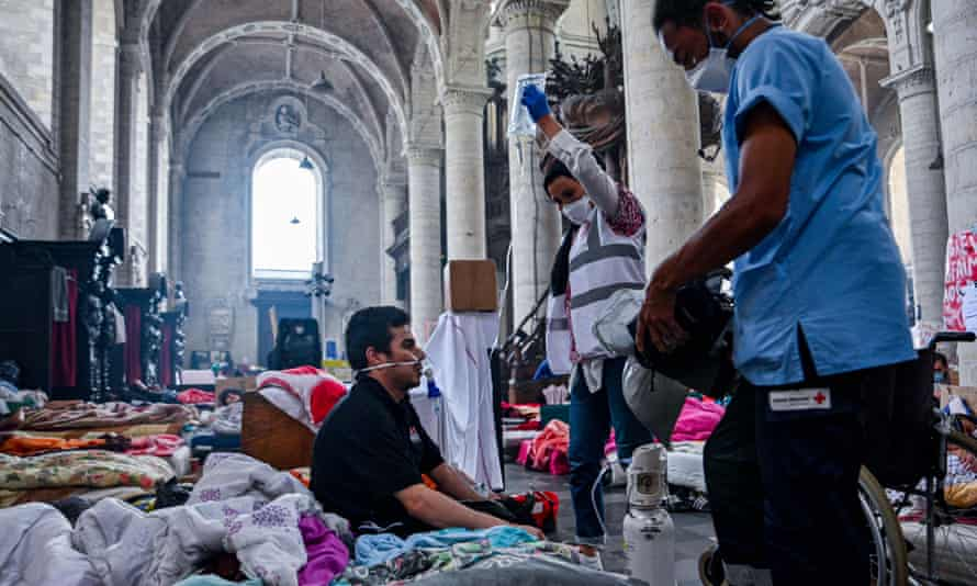 Hundreds of undocumented migrants have been on hunger strike in Brussel's Béguinage church.