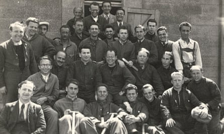 Some of the rescued German Jewish men at Kitchener Camp in 1939.