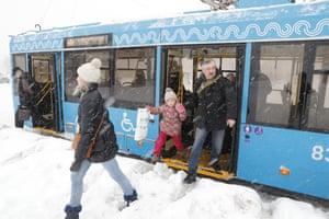 Buses still running despite the heave snow