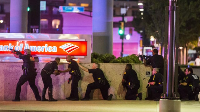 Dallas police shooting: Micah Johnson was 'lone shooter' – as it happened