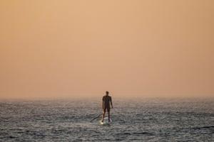 Sydney, AustraliaHeavy smoke haze and fog blankets Maroubra Beach following hazard reduction burns over the weekend