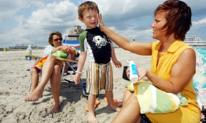 Study shows sunscreen is killing coral reefs in tourist