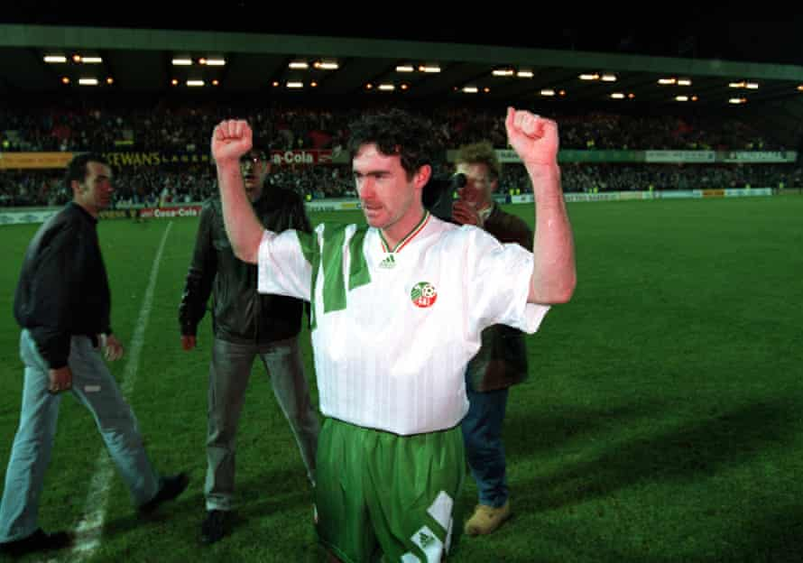 Alan McLoughlin celebrates after the game at Windsor Park in 1993.