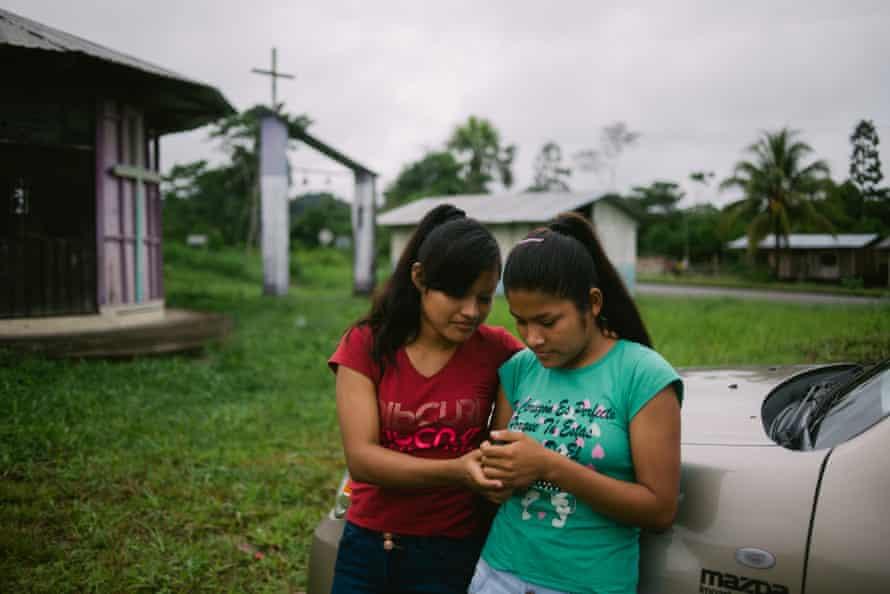 Shuar girls on the Ecuadorian side of Rio Santiago
