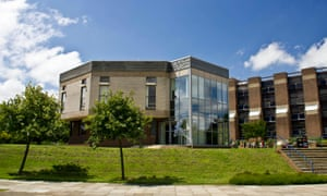 University of Kent, Canterbury campus, Sanate and Library buildings