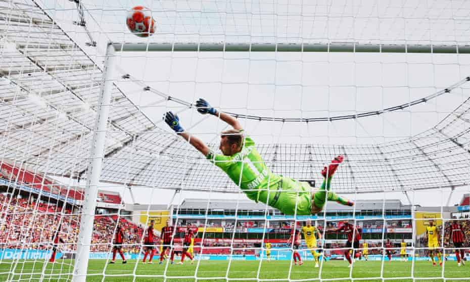 Raphaël Guerreiro's spectacular free-kick to makes it 3-3 at the BayArena