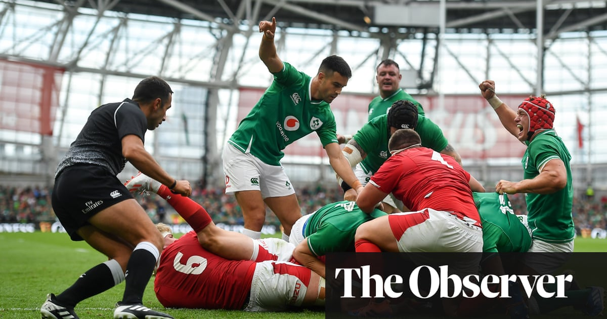 Ireland top rankings after Wales are worn down and suffer fly-half blow