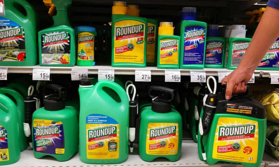 Formulated weedkillers, like Monsanto's widely-used Roundup, leave residues in food and water, as well as public spaces.