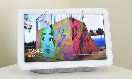 The Google Nest Hub gives Assistant a screen for displaying your favourite photos.