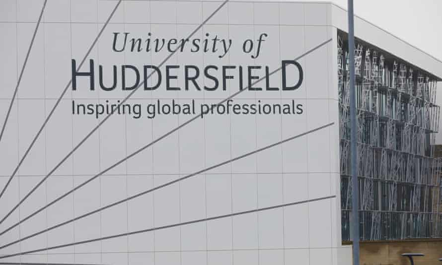 University Huddersfield building saying 'inspiring global professionals'