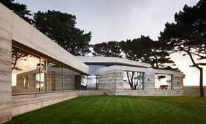 """Peter Zumthor's """"rammed concrete house"""" Secular Retreat in South Devon"""