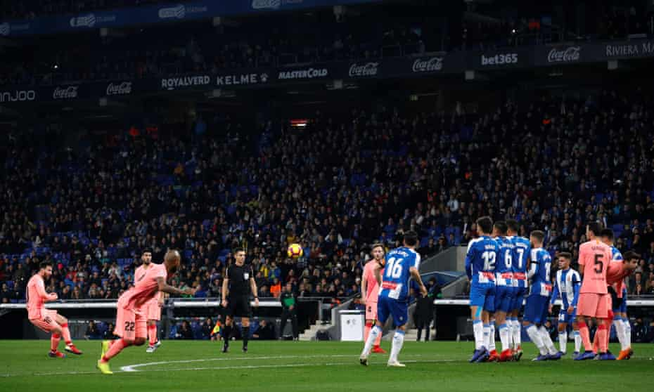 Lionel Messi scores his first free-kick against Espanyol.