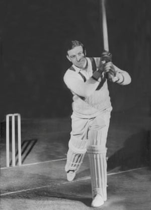Wally Hammond's return to cricket, at the age of 48, saw him 'a great giant who had bestridden everything, struggling like a starter'.