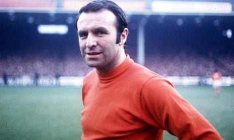 Jimmy Armfield, former England captain, dies aged 82